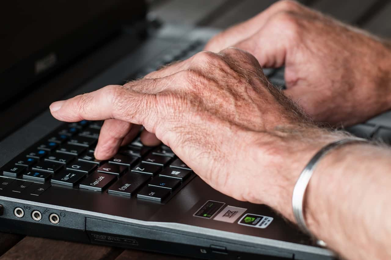 How to Protect Seniors from Getting Scammed