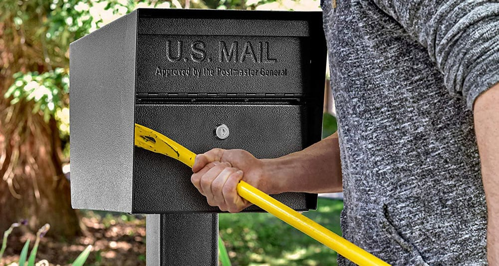 destroying-the-mailbox