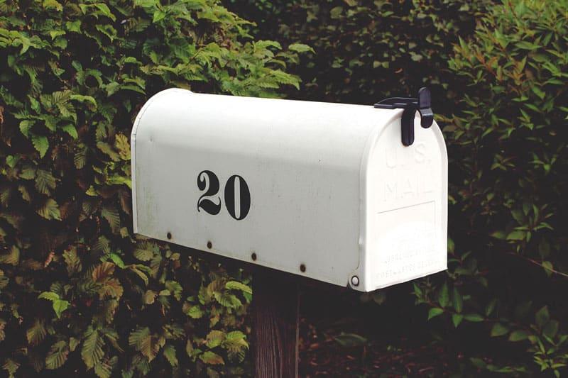old-fashion-mailbox